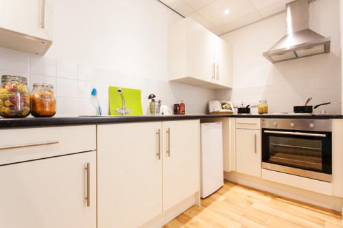 london-house--89310615420190305041420PM.jpeg