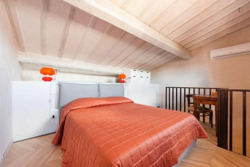 Stunning 2-bedroom apartment close to Mercato di San Lorenzo  - Gallery -  2