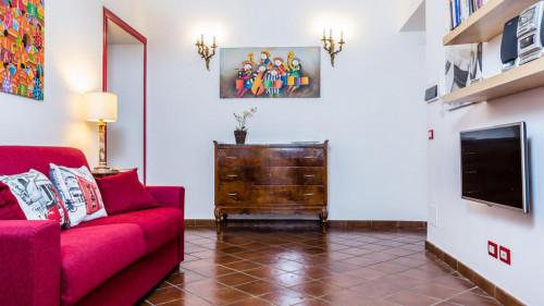 Vintage 1-bedroom apartment near Parco del Colle Oppio  - Gallery -  9
