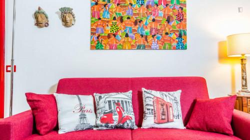 Vintage 1-bedroom apartment near Parco del Colle Oppio  - Gallery -  7