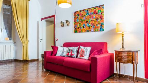 Vintage 1-bedroom apartment near Parco del Colle Oppio  - Gallery -  5