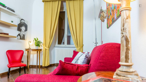 Vintage 1-bedroom apartment near Parco del Colle Oppio  - Gallery -  6