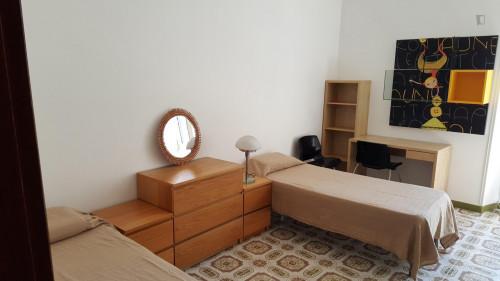 Twin bedroom in a flat near Università la Sapienza  - Gallery -  3