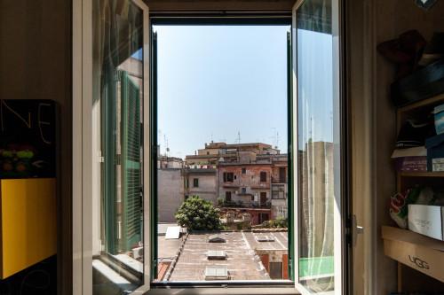 Twin bedroom in a flat near Università la Sapienza  - Gallery -  1