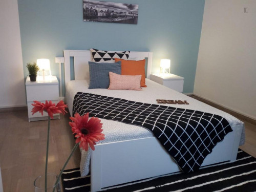 Nice double bedroom in a 4-bedroom apartment in Medicina