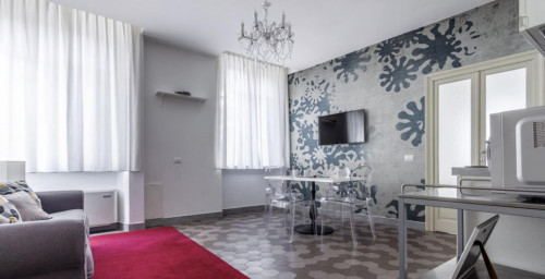 Wonderful 1-bedroom apartment near Marche metro station  - Gallery -  8