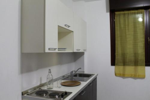 Very neat single bedroom in 3-bedroom flat, near Bicocca  - Gallery -  7