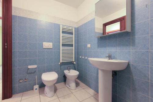 Very neat single bedroom in 3-bedroom flat, near Bicocca  - Gallery -  9