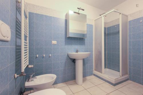 Very neat single bedroom in 3-bedroom flat, near Bicocca  - Gallery -  8