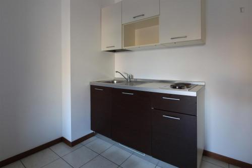 Very neat single bedroom in 3-bedroom flat, near Bicocca  - Gallery -  3