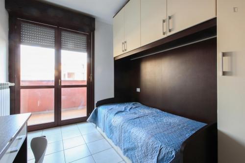 Very neat single bedroom in 3-bedroom flat, near Bicocca  - Gallery -  5