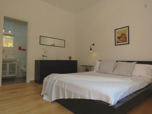 Wonderful 3-bedroom apartment close to Porta San Felice  - Gallery -  3
