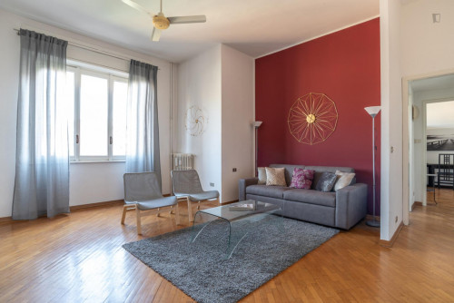 Well-lighted 1-bedroom flat near Bande Nere Metro  - Gallery -  7