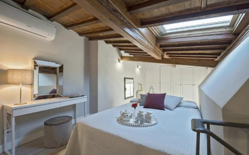 Vintage 2-bedroom apartment in Santa Maria Novella  - Gallery -  3