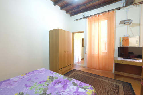 studio one bedroom apartment kitchen with kitchen and shower Monti near Colosseo  - Gallery -  3