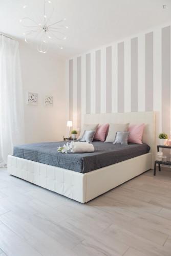 Stunning 2-bedroom apartment in Sesto San Giovanni  - Gallery -  1