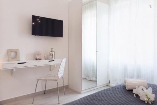 Stunning 2-bedroom apartment in Sesto San Giovanni  - Gallery -  3