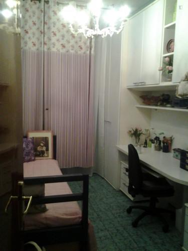 Single bedroom in a 3-bedroom flat in Novoli