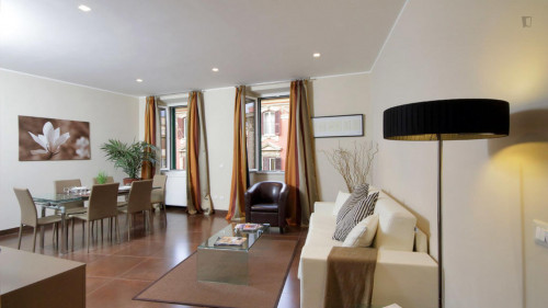 Very cool 2-bedroom flat in Monti  - Gallery -  3