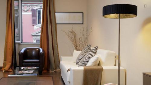 Very cool 2-bedroom flat in Monti  - Gallery -  7