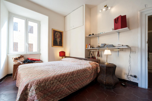 Student-friendly double bedroom in Rione XV Esquilino  - Gallery -  2