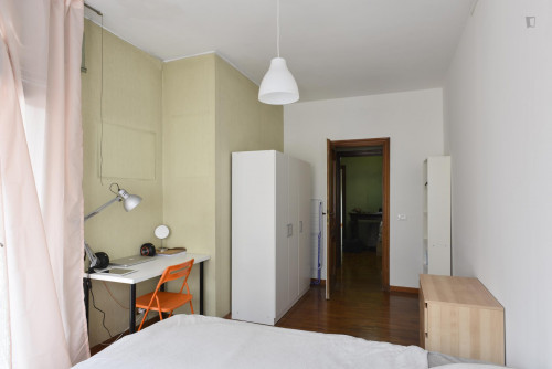 Welcoming single bedroom bordering Quartiere X Ostiense  - Gallery -  2