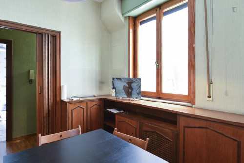 Welcoming single bedroom bordering Quartiere X Ostiense  - Gallery -  4