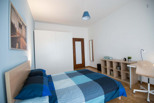 Well-lit double bedroom in Turin  - Gallery -  1