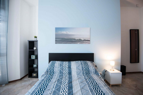 Well-lit double bedroom in Turin  - Gallery -  4