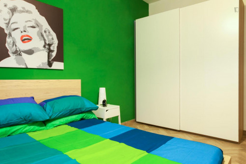 Well-lit double bedroom in Centro  - Gallery -  1