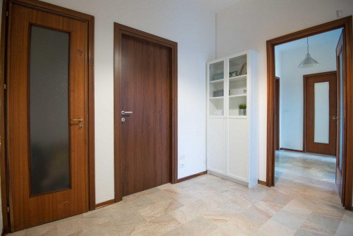 Stunning double bedroom in Turin  - Gallery -  2