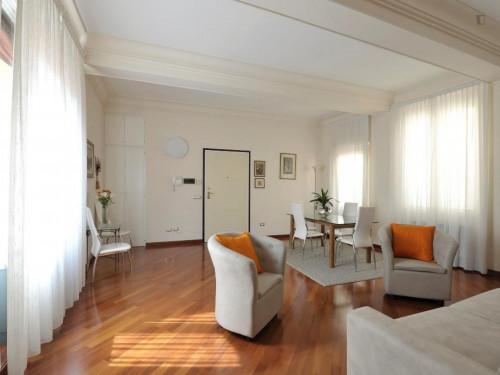 Wonderful 2-bedroom apartment close to the Basilica di Santo Stefano  - Gallery -  7