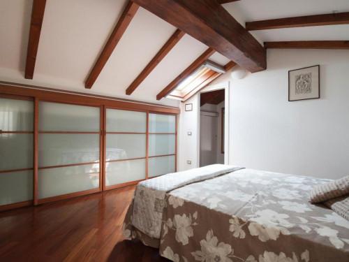 Wonderful 2-bedroom apartment close to the Basilica di Santo Stefano  - Gallery -  1