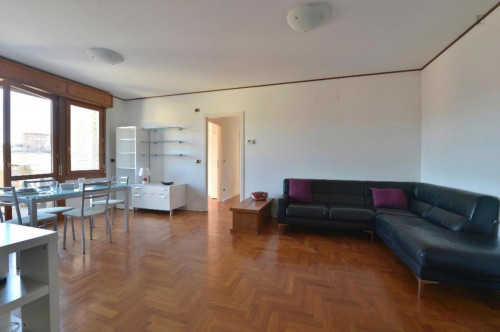 Very sunny 2-bedroom apartment in Lame  - Gallery -  4