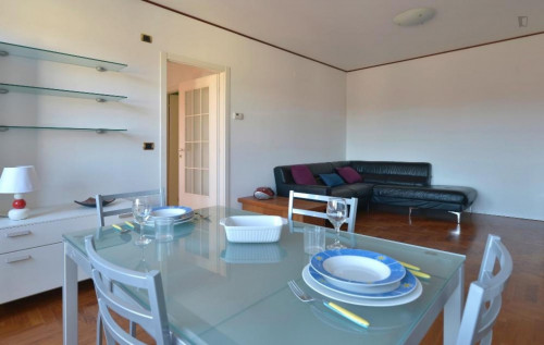 Very sunny 2-bedroom apartment in Lame  - Gallery -  8