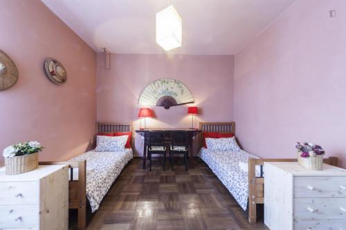 Attractive twin bedroom bordering the Basilica of Santa Croce neighbourhood