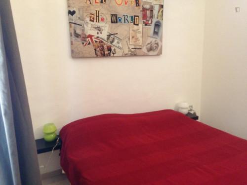 Very comfy 1-bedroom apartment near the Spezia metro  - Gallery -  1