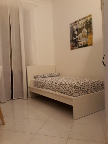 Cool single bedroom with balcony well connected to Politecnico di Torino