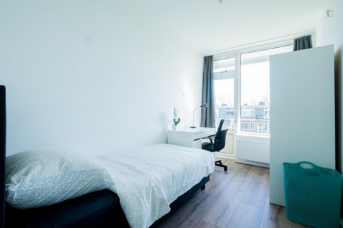 Great single bedroom, with balcony in Charlois