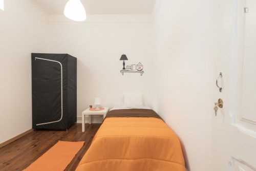 Welcoming single bedroom near Parque Eduardo VII  - Gallery -  1