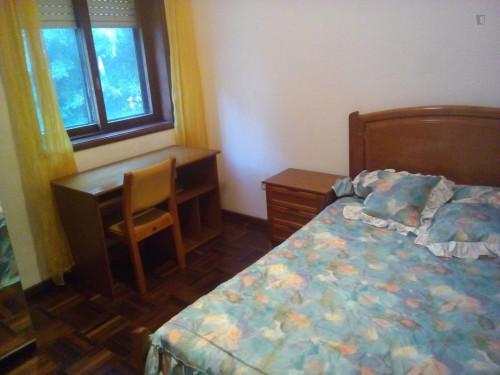 Very nice double bedroom close to Faculdade de Letras  - Gallery -  1