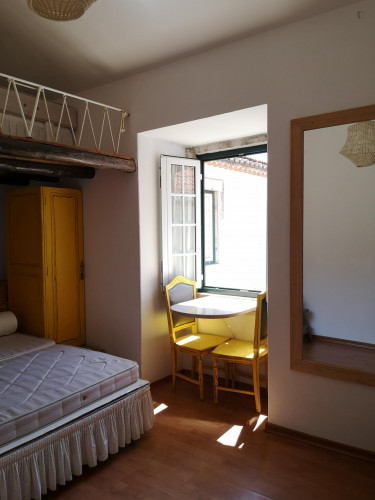 Twin bed in a 4-bedroom apartment in Alfama  - Gallery -  1