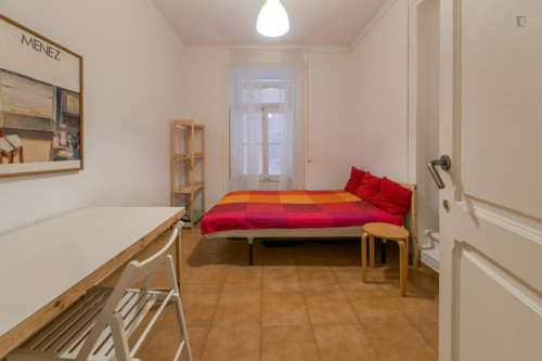 Very nice single bedroom in well-connected Marques de Pombal  - Gallery -  1