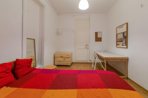 Very nice single bedroom in well-connected Marques de Pombal  - Gallery -  3