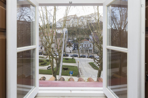 Welcoming studio in the heart of Coimbra  - Gallery -  8