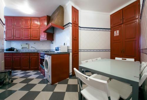Very cozy bedroom few blocks away from Saldanha near IST and Catolica  - Gallery -  5