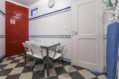 Very cozy bedroom few blocks away from Saldanha near IST and Catolica  - Gallery -  6