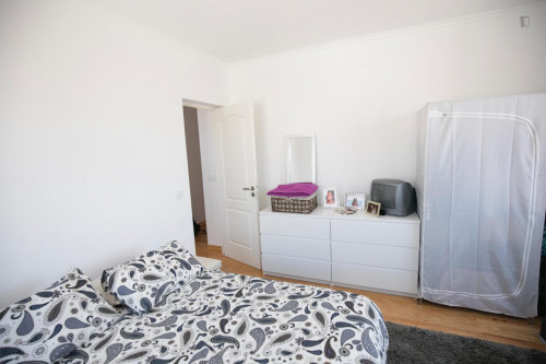 Very bright room in Campolide  - Gallery -  2