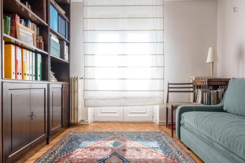 Very comfy individual bedroom in trendy São Sebastião  - Gallery -  1