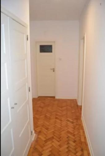 Welcoming single bedroom in near Instituto Superior de Contabilidade e Administração de Coimbra  - Gallery -  7